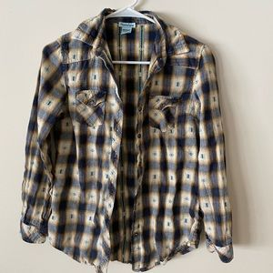 Long sleeve button-up flannel